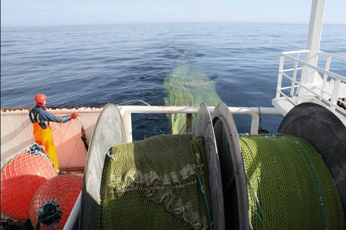 Båt som høster inn Calanus finmarchicus